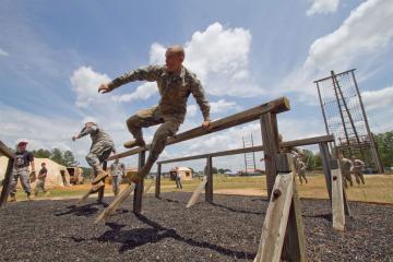 Cum sa te imbraci la cursa cu obstacole Asaltul Lupilor? (partea I)