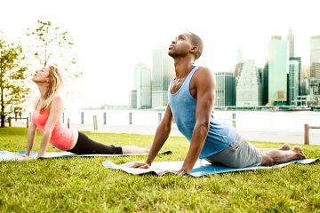 6 miscari de yoga pe care fiecare atlet ar trebui sa le faca