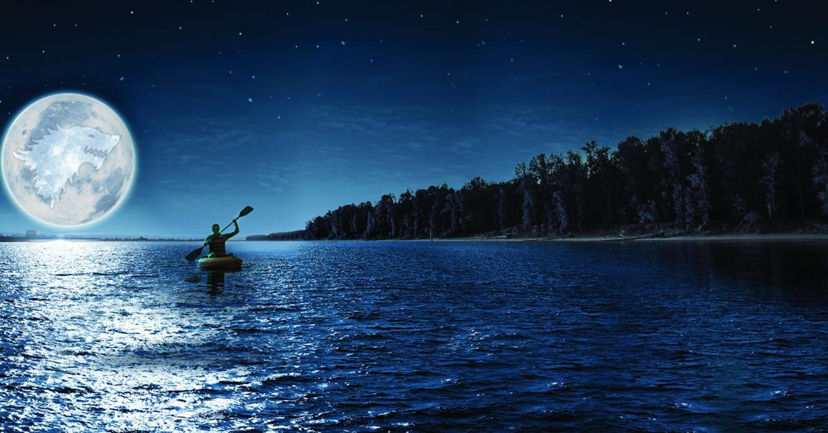 În caiac sub clar de luna plină pe lacul Vidraru … dar nu numai
